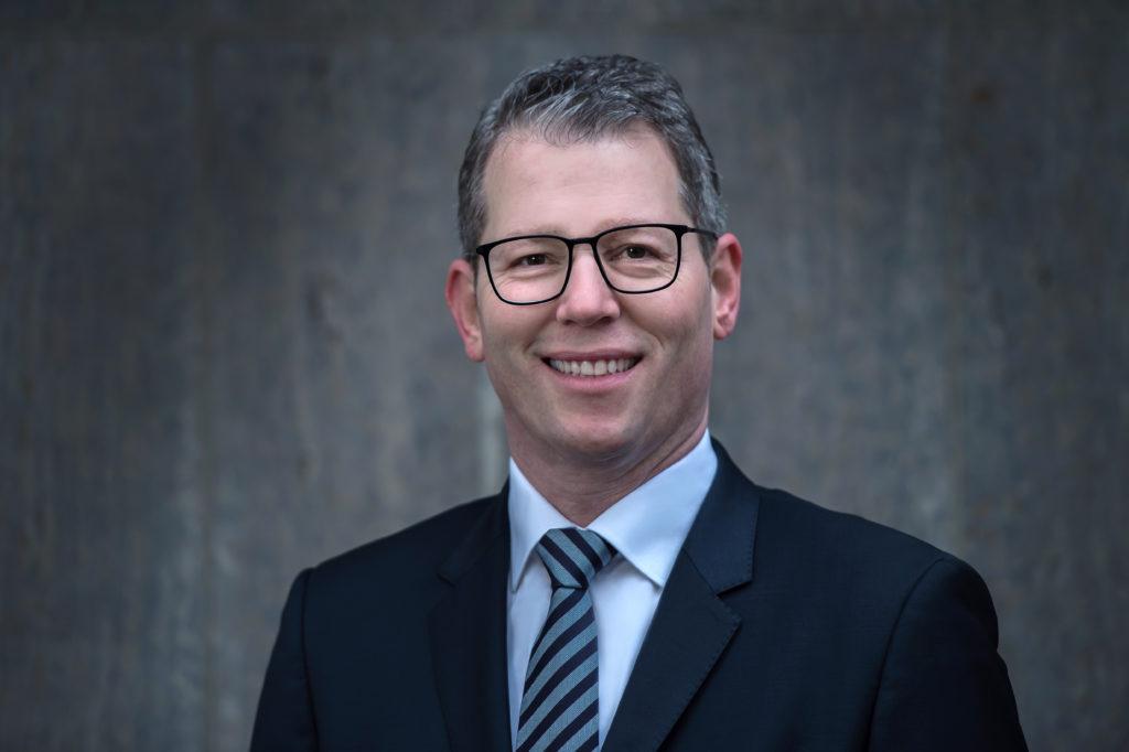 HR UNIVERSAL HR Consultancy - Management - Markus Rohm
